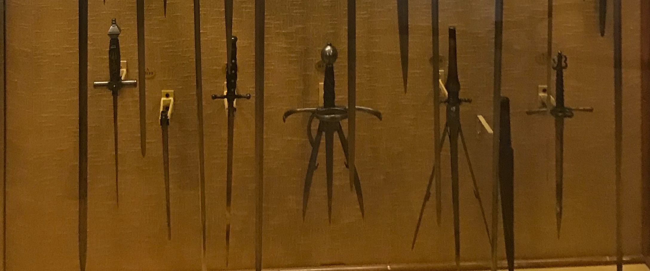 left-handed daggers, Wallace Collection, London